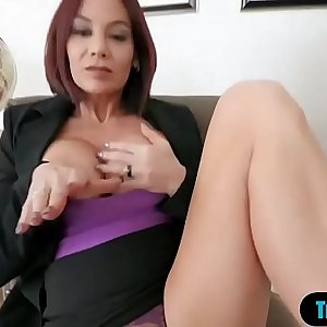 My hot stepmom just love when we masturbating together