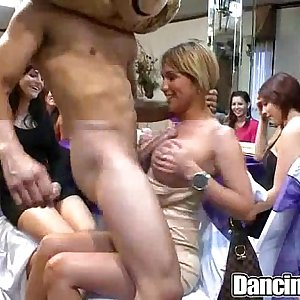Dancingcock Crazy Party Girls