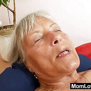 Ugly grandma Cecilie playthings her  hairy pussy