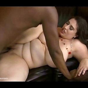 Amazon Latina Housewife Adriana Avalon Fucks Black Gardner