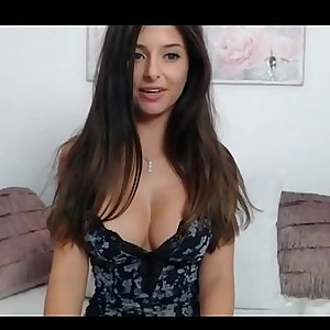 Dickblowers hottie with big natural boobs on webcam